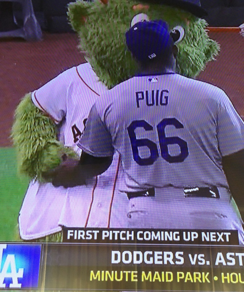 Yasiel Puig greets the Philly Phanatic. August 23, 2015.