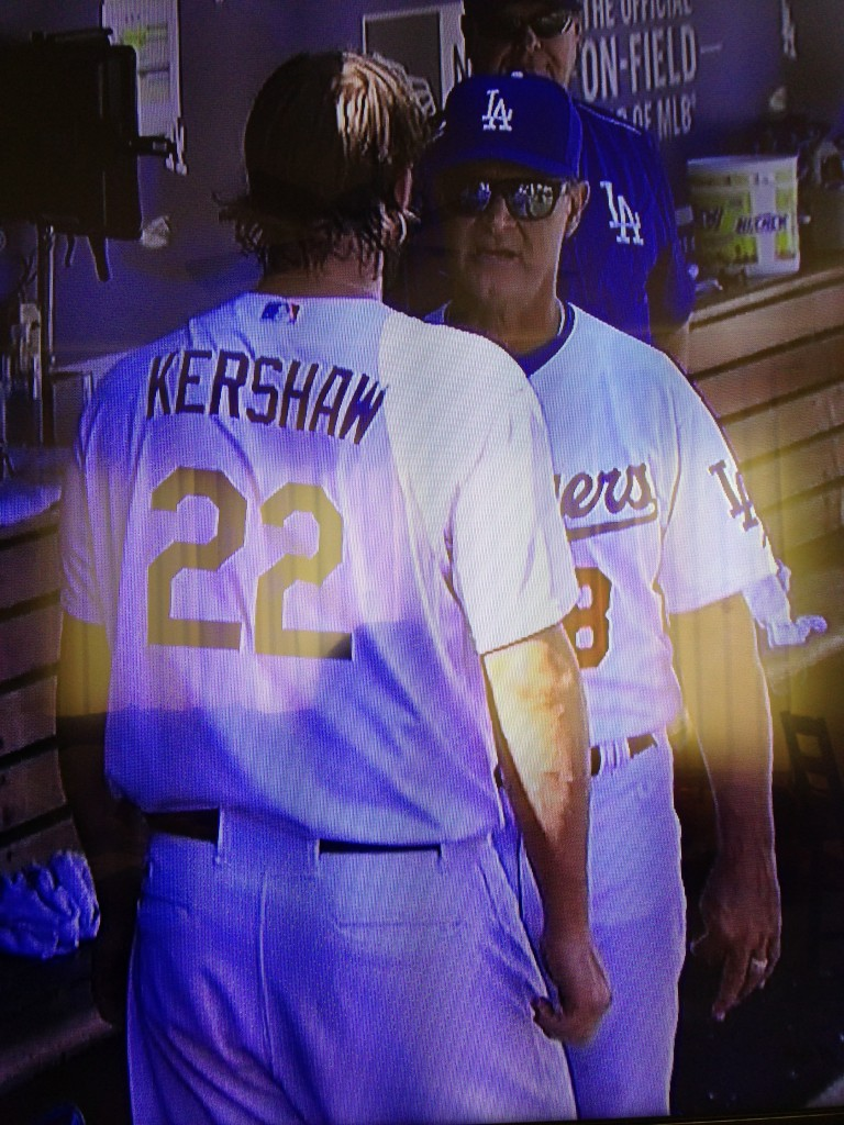 Clayton Kershaw and Don Mattingly argue in the dugout. September 24, 2015.